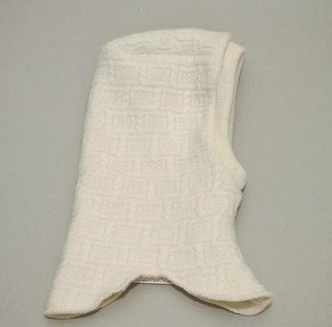 100% merino vilnos megzta kepuraitė – šalmukas VILAURITA, 44 cm, 48 cm, 52 cm (64)