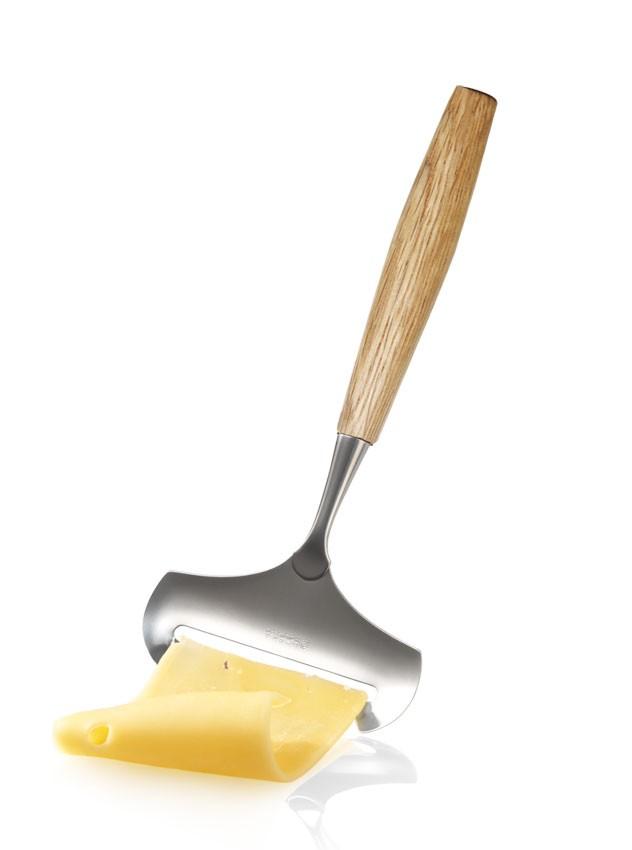 BOSKA minkštas sūrio peilis su ąžuoline rankena