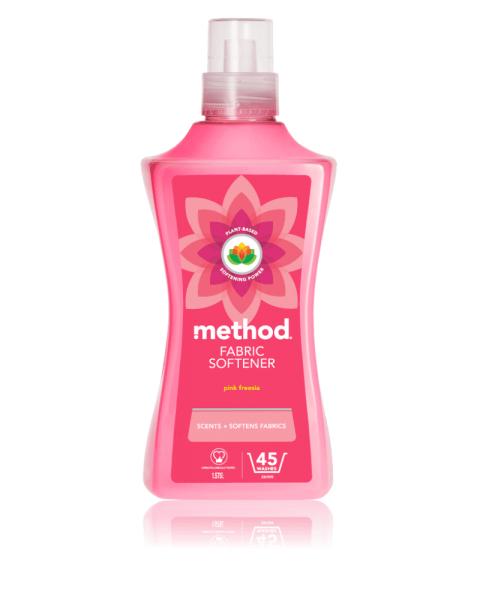 Audinių minkštiklis METHOD, rožinių frezijų aromato, 1,56 l