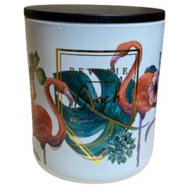 """Namų žvakė CANDELE FIRENZE """"Glass Phantasy White Flamingo"""" (pačiulis, stirakas), 90x100 mm, 60 h, 1 vnt."""