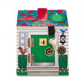 Lėlių namas su durų skambučiais ir spynelėmis MELISSA & DOUG, 1 vnt.