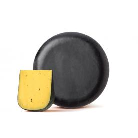 Olandiškas sūris BEEMSTER su trumais,  52 % rieb. s. m.