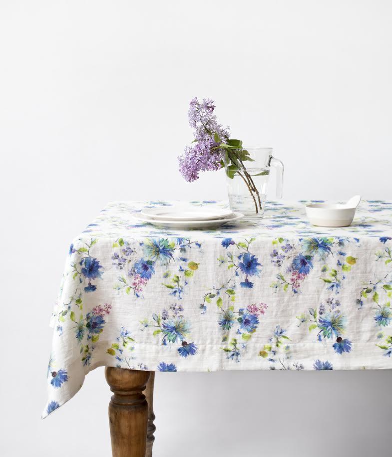 Staltiesė LINEN TALES White flowers, 140×250 cm, 1 vnt.