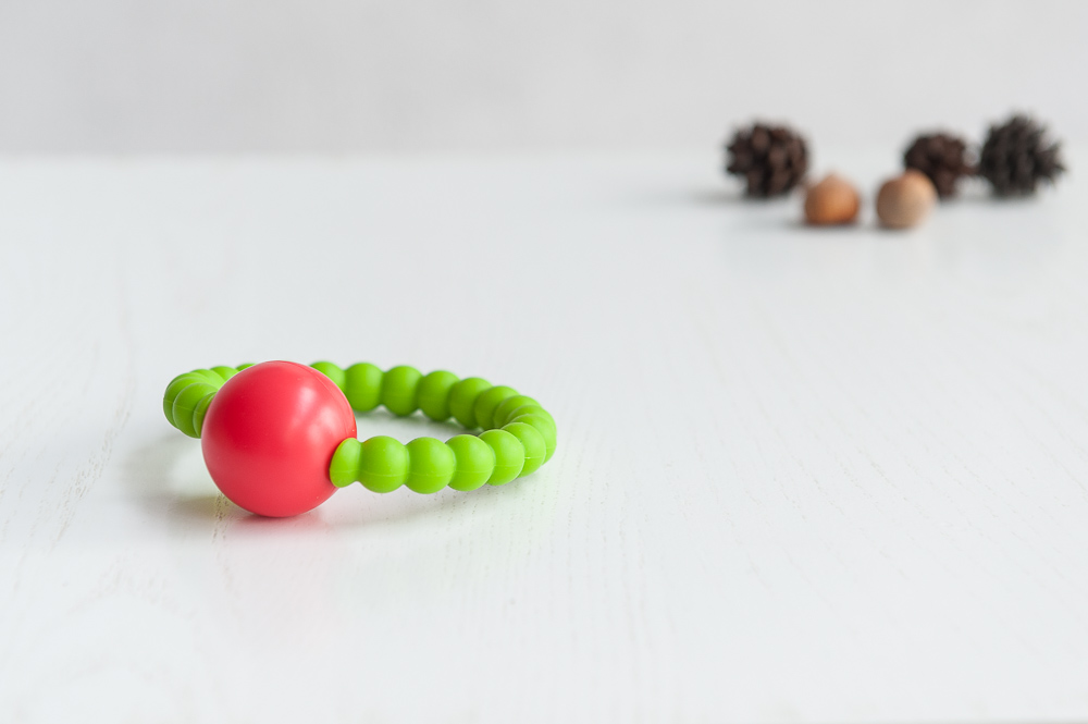 Salotinis silikoninis kramtukas – barškutis BRIKIS kūdikiams nuo 3 mėn.