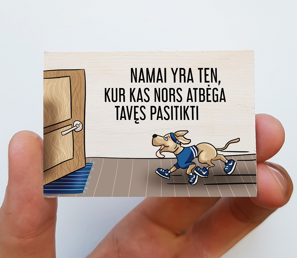 Medinis magnetas – Namai yra ten, kur kas nors atbėga tavęs pasitikti, 1 vnt.